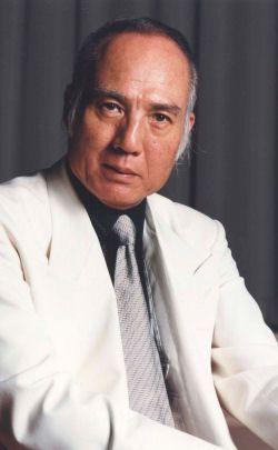 Okayama 岡山 おかやま 有名人 八名信夫    1935年 岡山市出身   明治大学から東映フライヤーズ(現日本ハム)にピッチャーとして入団  しかし、登板中の怪我の為、プロ生活を断念、映画俳優となる。  1983年 悪役商会を結成。  日本映画批評家協会特別賞受賞(映画生誕100年記念)