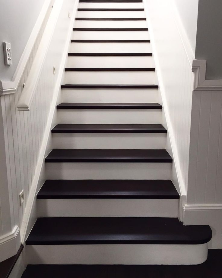 21 Attractive Painted Stairs Ideas Pictures: Best 25+ Wainscoting Hallway Ideas On Pinterest