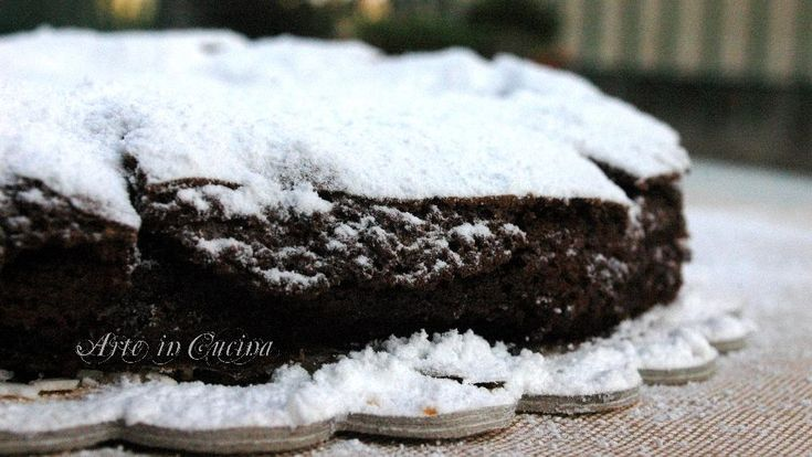 Torta veloce al cioccolato e cacao senza farina, ottima per intolleranti al glutine, per feste di compleanno, per colazione