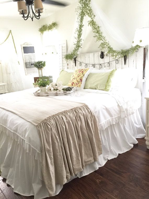 Listing is for the bed scarf only.(shown at the bottom of the bed) Not the…