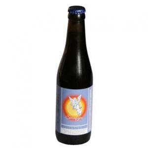 Serafijn Donker (8% vol) / Het kent een kruidig karakter met een zachte bitterheid. De kleur is bruin-paarsdonker. De smaak is karaktervol door enkele soorten gebrande gersten die gebruikt worden bij het brouwen en die op natuurlijke wijze kleur geven aan dit prachtige bier.