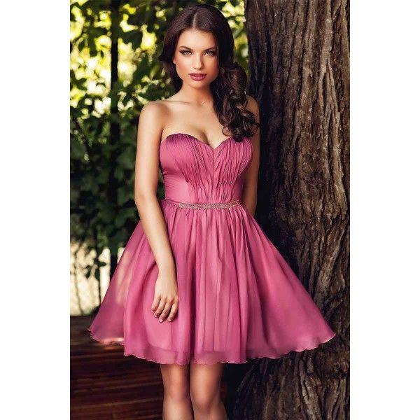 Rochie eleganta scurta roz prafuit  Te asteapta multe petreceri cocktail, nunti, aniversari sau alte evenimente speciale, la care vrei sa arati uluitor? Alege rochia scurta de ocazie din voal de matase in tonuri de roz prafuit.Decolteul in forma de inima atrage atentia asupra bustului tau.