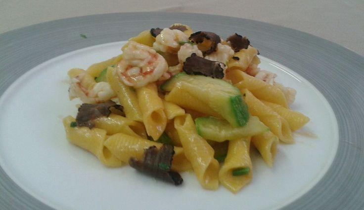 Garganelli with courgettes, pink shrimp and truffle.....Garganelli con Zucchine, Gambero rosa e Tartufo