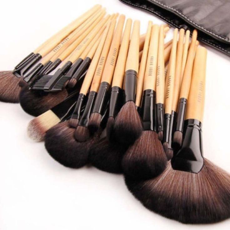 Barato NOVO Pro 24 Pcs Makeup Brush Tool Kit Cosméticos Sombra em Pó escova + Caixa, Compro Qualidade Pincéis de maquiagen & acessórios diretamente de fornecedores da China: 24 Set Make Up Brushes com alças de madeira com um saco 1 Fan escova estica aproximadamente : 20.5 cm de compri