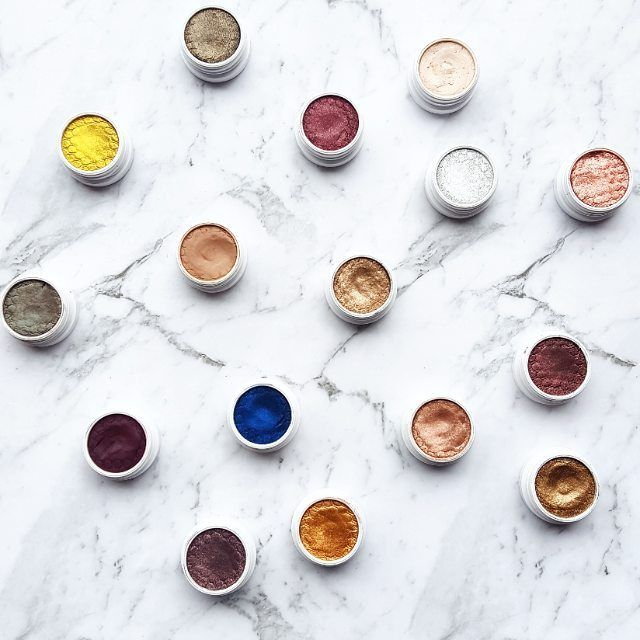 PSA. @colourpopcosmetics FREE INTERNATIONAL shipping is now on! Spend over $50USD for free international shipping! Orders under $50USD are charged at a flat rate of $4.99USD! Such a good deal! If you've been lusting after anything from Colourpop, now is the time to check it out! For some inspo, here are a few of my Colourpop Super Shock Shadows  . . .  #colourpop #colourpopme #colourpopcosmetics