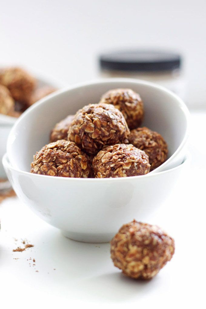 18. Peanut Butter Mocha Energy Bites #healthy #energy #bites http://greatist.com/eat/energy-bites-recipes-for-on-the-go-snacking