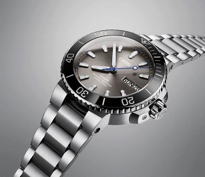 Oris Hammerhead Limited Edition  Se trata de un reloj de buceo de 45. 5 mm de diámetro desarrollado en acero inoxidable. En su interior late un calibre Oris 752 (base Sellita SW 220-1), y se presenta en 2000 ejemplares para todo el mundo. En la compra de esta pieza se ayuda a diferentes instituciones de protección a la pesca indiscriminada de la especie.  #WatchesWorld, los relojes de tu vida / #OrisMx