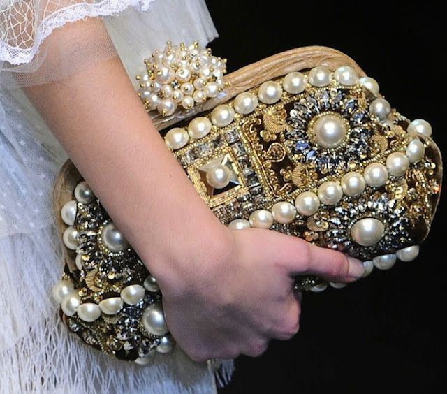 Dolce & Gabbana Fall 2012 Accessories  I absolutely LOVE this purse LM~