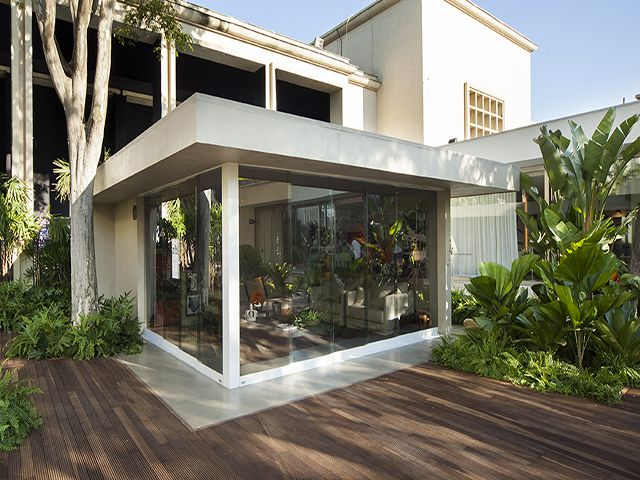 casa de madeira com vidro - Pesquisa Google
