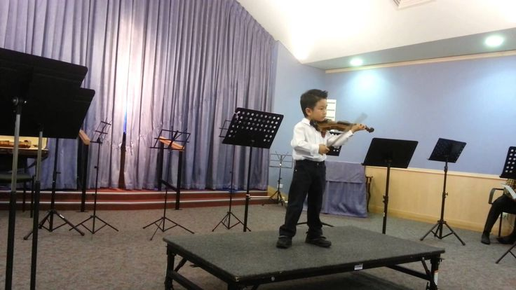 concerto No 2, 3rd [Seitz]; 第一次登台表演,with his 1/10 size violin, he's been learning violin for 4 months. See more of this young violinist #from_Katacctn
