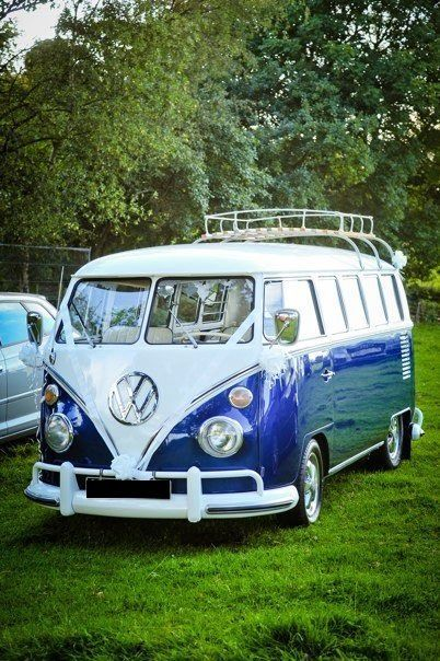 1967 volkswagen splitscreen blue white deluxe microbus. Black Bedroom Furniture Sets. Home Design Ideas