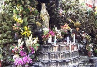 Wisata Religi Kristen Katholik Jogja: GUA MARIA SENDANGSONO dan SEJARAHNYA