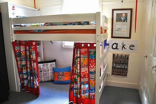 How great is this?? Secret reading room with Dr. Seuss curtains!!!