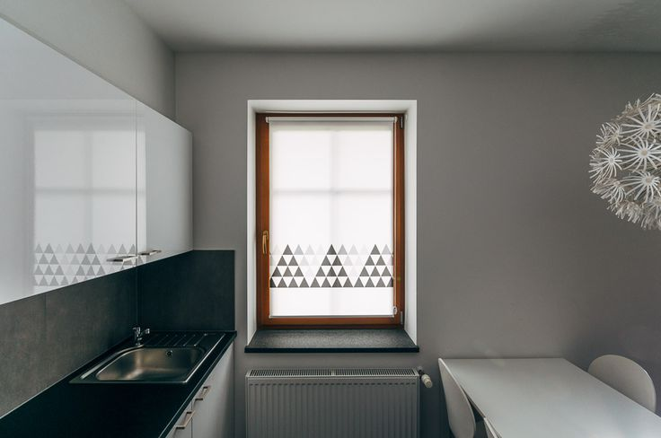 Shady TRIANGLE STRIP mini roller blind by MOTIVO. Simple and beautiful.