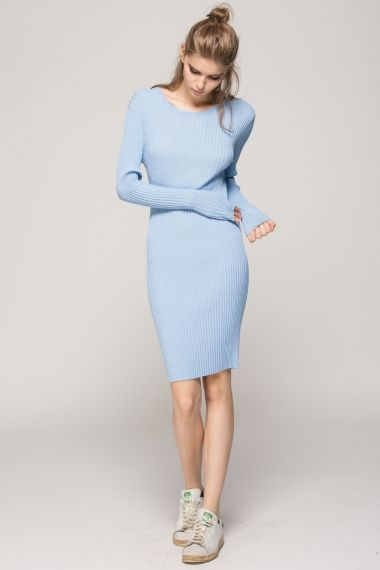 <p>Tight seamless knee length dress with lines. Comes in baby blue, navy blue, black, red, pink and grey. About me:. 65% viscose, 35% nylon</p>