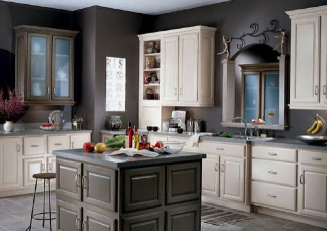 10 Kitchen Design Photos, From Classic To Contemporary: Kitchen Design Photos: Contemporary White, Gray/Pewter