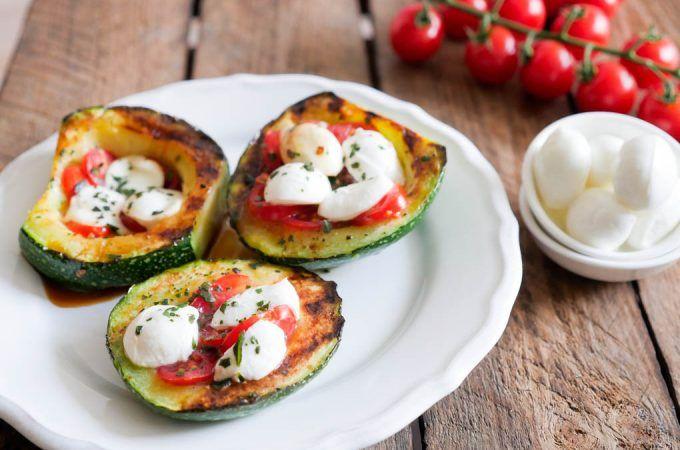 Gesund Kochen ist Liebe ist ein wunderschönes Kochbuch für alle, die Wert auf die gesunde Ernährung legen und gerne Abwechslung auf den Speiseplan bringen möchten.