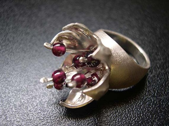 Pomegranate Flower Sterling Silver Ring, OOAK Ring, Garnets and Silver Flower Ring by EfratJewelrySilver Flower, Rings Ooak, Flower Rings, Fabrics Rings, Sterling Silver Rings, Pomegranates Flower, Contemporary Jewellery, Ooak Rings, Flower Sterling