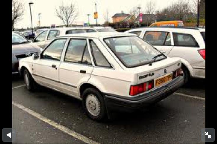 1987 White Ford Escort