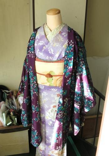 アンティーク着物 赤紫に椿柄銘仙長羽織 裄63.5 - レンタルBOX・和洋リサイクル poyan【ぽやん】