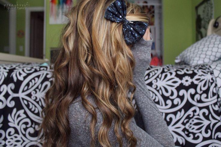 ✧∘∗∙ συт ℓσυ∂ ѕσмєσиєѕ ¢αℓℓιиg му иαмє αи∂ ιт ѕσυи∂ѕ ℓιкє уσυ ∙∗∘✧: Curly Hairstyles, Hair Colors, Long Hairstyles, Bow, Styles Hairstyle, Long Hair Styles, Eye, Colors Hair