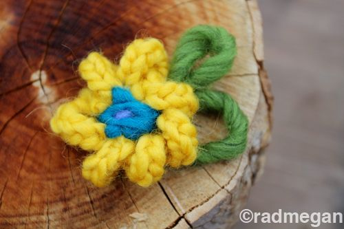Easy Knit(ting Fork) Flowers - Radmegan