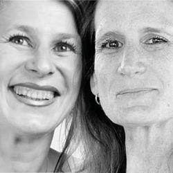 """Dédicace de Sabine et Hélène Dormond pour leurs livres """"Le parfum du soupçon"""" et """"Liberté conditionnelle"""" http://www.lacombe.ch/dedicace-de-sabine-et-helene-dormond.html"""