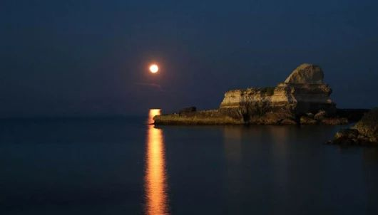 In Salento la magia della Sfinge illuminata dalla luna piena