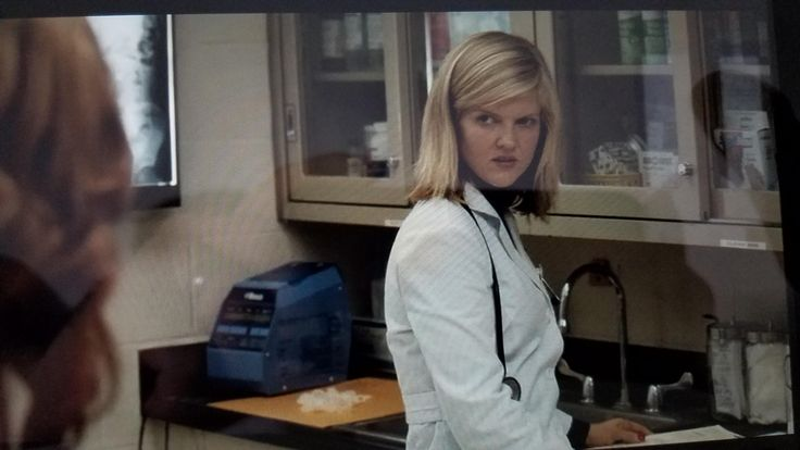 Arden Myrin looks like Adam Scott in a wig in this scene from Orange is the New Black.