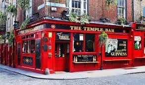 """The Temple Bar - Dublín       """"  Notre Dame:  Programa en una de las escuelas privadas de mayor prestigio de Dublín, Irlanda.  También se pueden hacer clases profesionales de fútbol, tenis, equitación, golf o rugby a tu programa.    #WeLoveBS #inglés #idiomas #Irlanda #Ireland #Dublin #DunDrum  """""""
