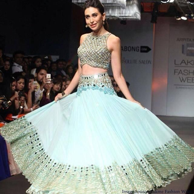 Karishma Kapoor in @arpita_mehta's gorgeous, contemporary Indian #Desi #Lehenga