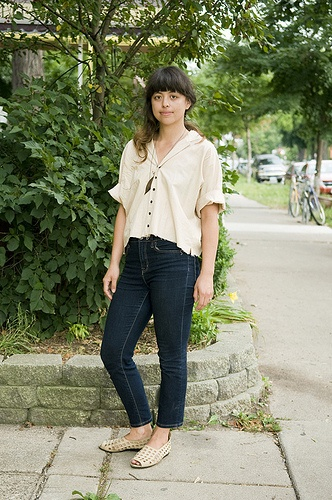 I got street blogged! Homemade blouse and miraculously thrifted Arche shoes