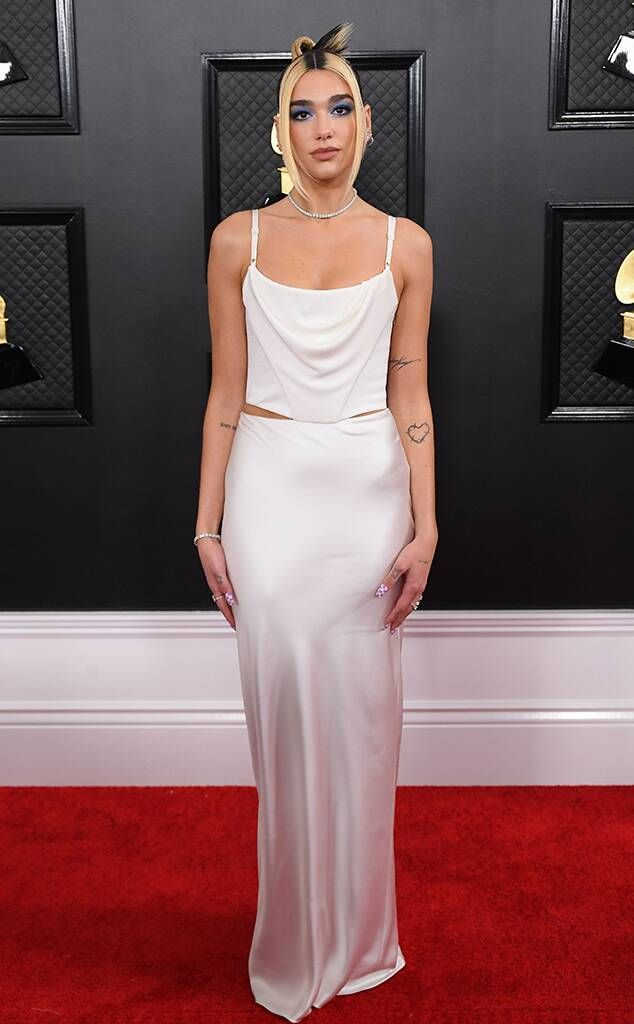 dua lipa from grammys 2020 red carpet fashion in vivienne westwood in 2020 grammy dresses fashion grammy fashion pinterest