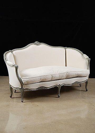 Sillón de tres cuerpos Francés antiguo Luis XV pintado de plateado y tapizado de blanco, muy fino