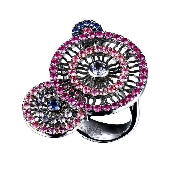 Lace spinel and sapphire ring in white gold
