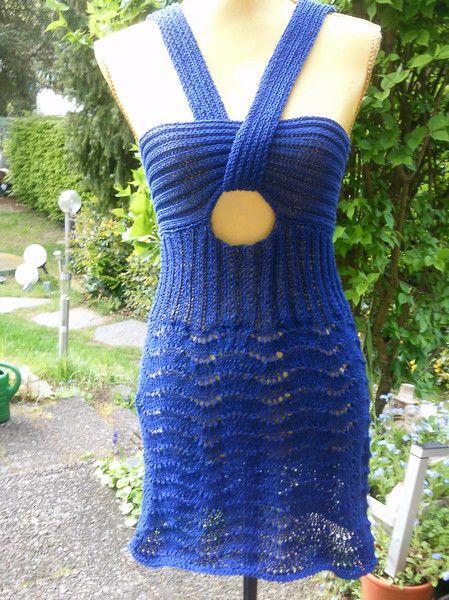 Kleider - Strick-Kleid mit verkreuztem Träger, blau, 36-38 - ein Designerstück von katiundich bei DaWanda