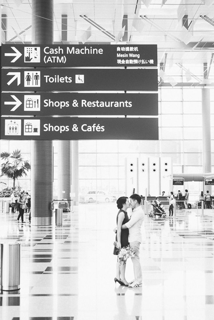 Engagement shoot at the airport // Most Romantic Spots for Photo Taking in Singapore - Part 2