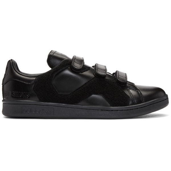 Raf Simons Black adidas Originals Edition Stan Smith Comfort Badge... ($365) ❤ liked on Polyvore featuring men's fashion, men's shoes, men's sneakers, mens round toe shoes, mens velcro sneakers, mens black shoes, mens velcro shoes and mens black velcro sneakers