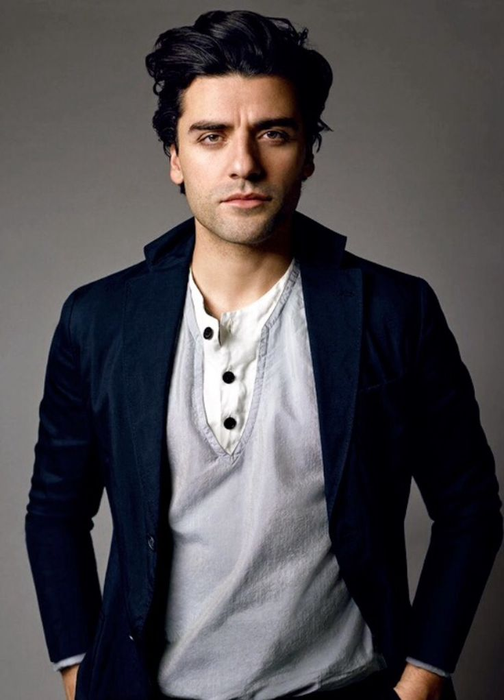 Oscar Isaac (Poe Dameron) Yup, so attractive.