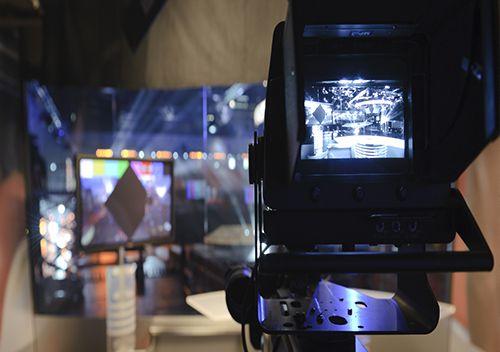 Team building pour un moment convivial et de détente où les participants devront s'affronter en équipe, le tout filmé en direct et retransmis sur écrans.https://goo.gl/rHT9th