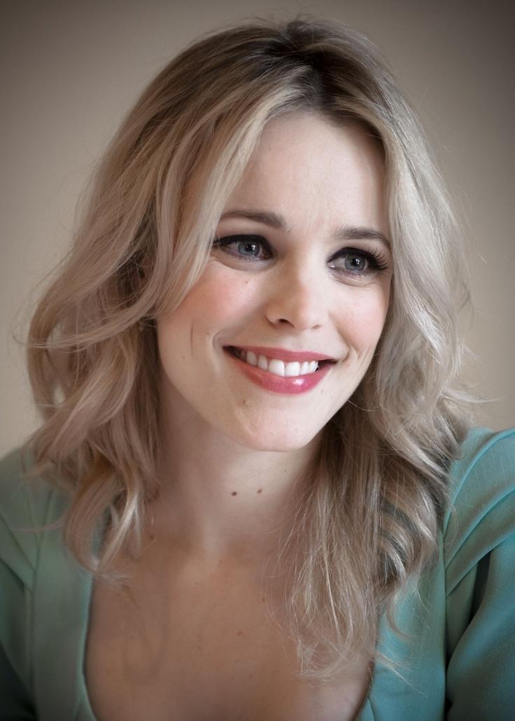 Rachel McAdams - Natural make up, soft hair color