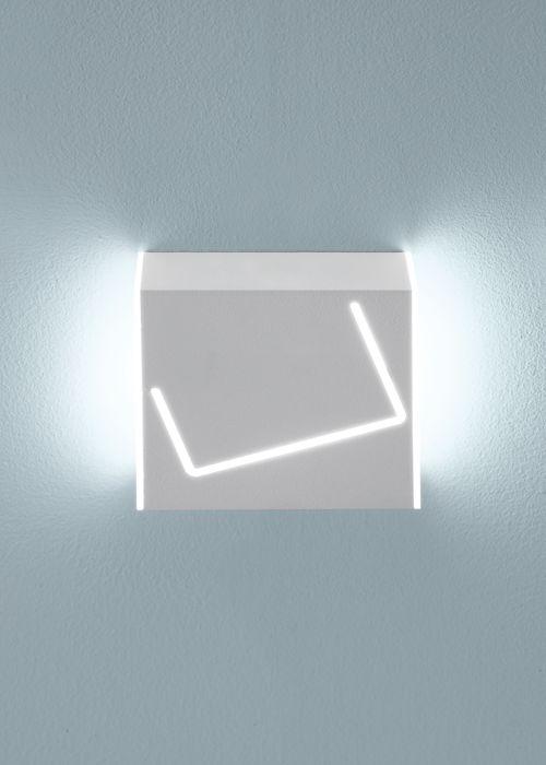 #Puà, available in different finishes, to be used as applique or spotlight, Fabbian Illuminazione spa #design #lightdesign #lamps #designlamp #spotlight #white #black #corten #Fabbian #interiordesign #homedecor #architecture