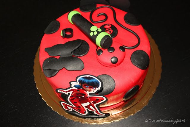 Bolo do 8º aniversário - Miraculous Ladybug