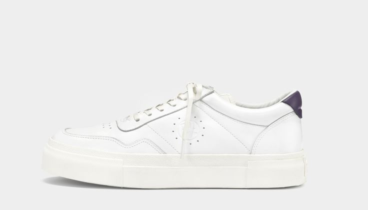 #Eytys Arena Leather White. Low-top sneaker with an upper inspired by late 80s court shoes.