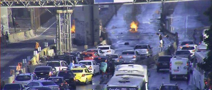 InfoNavWeb                       Informação, Notícias,Videos, Diversão, Games e Tecnologia.  : Moradores interditam a Avenida Brasil