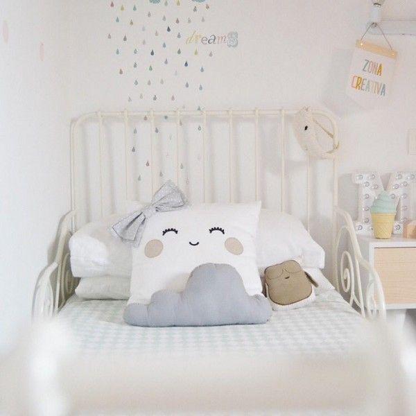 17 mejores ideas sobre dormitorio montessori en pinterest - Pegatinas pared infantiles ikea ...