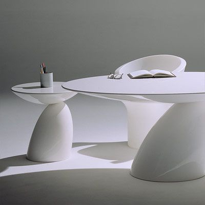 MODERN: Eero Aarnio-Parabel Tables