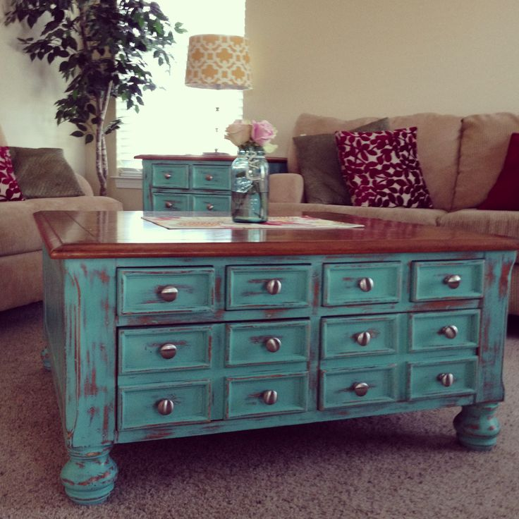 25 best ideas about old end tables on pinterest for Painted coffee table ideas