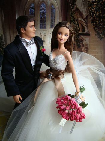 Barbie Wedding. I want this as my cake topper!