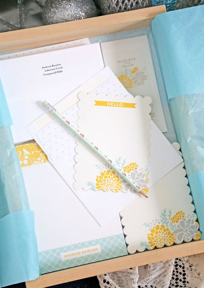 What a great Gift Idea! Personalized Stationary Set via Virginia Fynes: